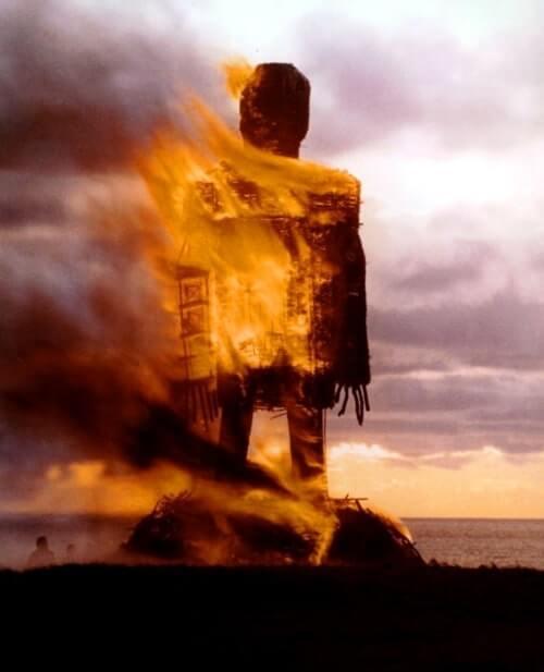 裸映画「ウィッカーマン(1973年)」ラストが怖い!あらすじ、感想、ネタバレあり。